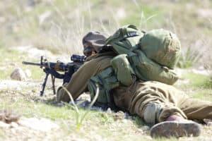 חייל באימונים
